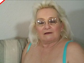 Nerdy grandma gives a soft and sensual blowjob to his big dick