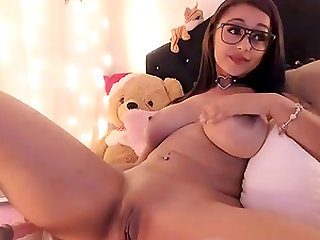 Arab brunette busty babe and fuckmachine