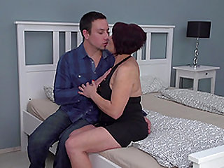 Freya wants to ride a hard cock like there is no tomorrow