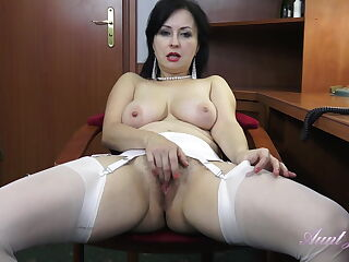 Wanilianna Masturbates for you at the office