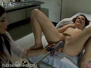 Wild Teen Stretches Her Hairy Pussy With A Fucking Machine